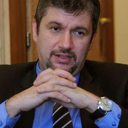 Elkaszálta Hadházy népszavazási kérdéseit az NVB