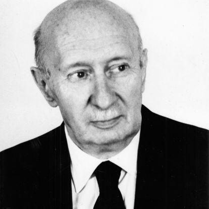 A disszidens magyar Nobel-díjas, akit itthon akadémikusi címétől is megfosztottak
