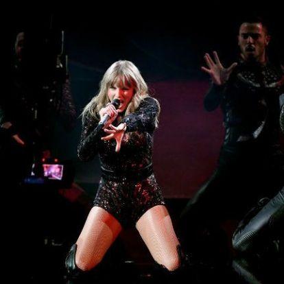 Taylor Swift arcfelismerő programmal próbálta kiszúrni zaklatóit egy koncertjén