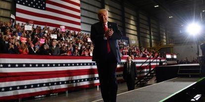 Mick Mulvaney, a Fehér Ház költségvetési igazgatója lesz Donald Trump új kabinetfőnöke