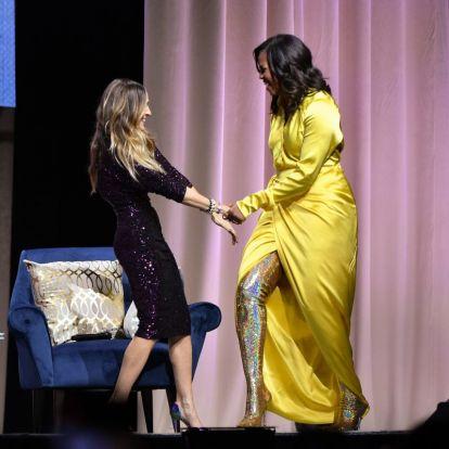 Michelle Obama bevállalta a flitteres combcsizmát