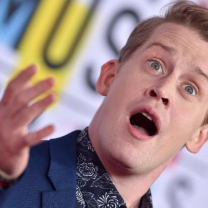 Macaulay Culkin széttrollkodta az öccsét a Golden Globe-on
