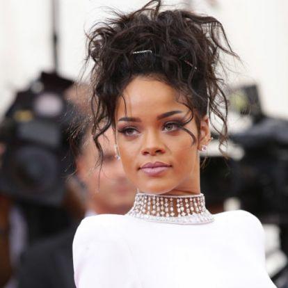 Elképesztően szexi fotót posztolt magáról Rihanna