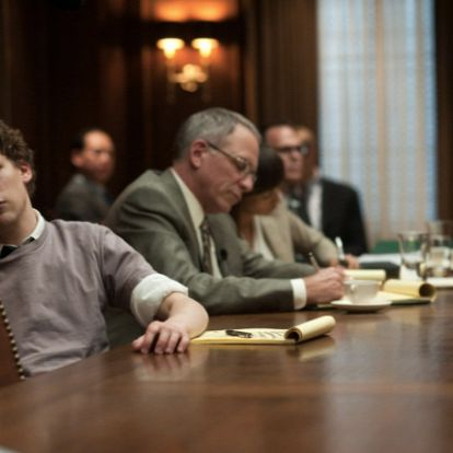 Aaron Sorkin folytathatja a Facebook-filmet
