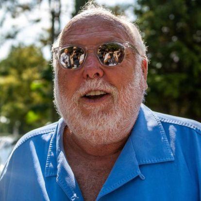 Körlevélben nyugtatják a TV2 dolgozóit Andy Vajna halála miatt