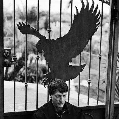 Anton Corbijn fotósorozatot készített Tony Hawkról