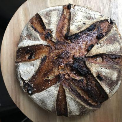 Áfonyás-diós rozsos kenyér
