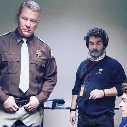 Nézz bele a Zakk Efron és James Hetfield szereplésével készített Ted Bundy filmbe!