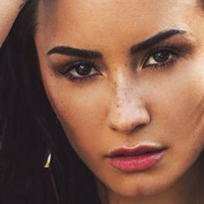 Demi Lovato legújabb tetkójának fantasztikus jelentése van