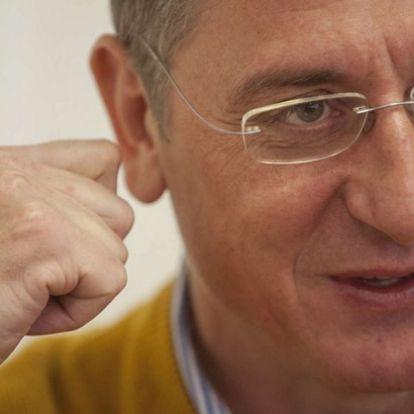 Gyurcsány gyilkos képregénnyel csinált hülyét Matolcsyból és az ÁSZ-elnökből (+fotó)