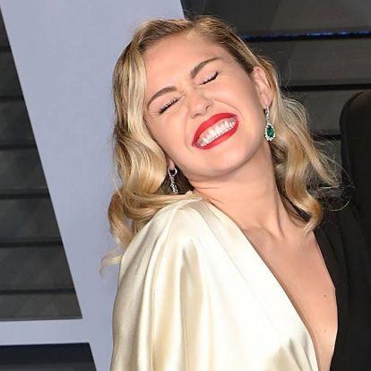 Miley Cyrus-t mostantól nem Miley Cyrusnak hívják