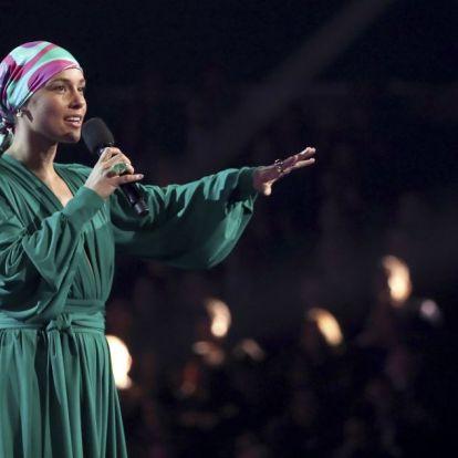 Lady Gaga tarolt a Grammy-gálán