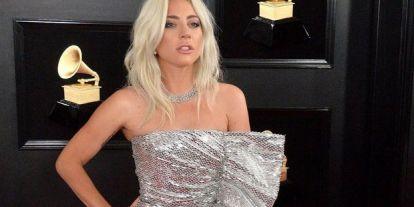 Bugyira vetkőzve bulizott Lady Gaga
