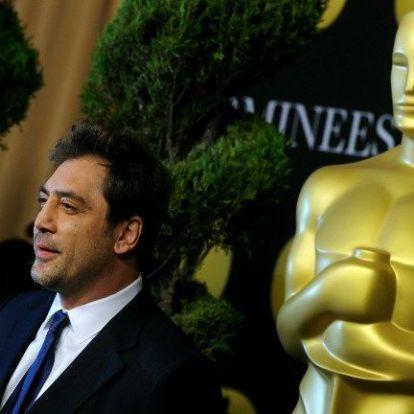 Javier Bardem és Samuel L. Jackson is díjat ad át a műsorvezető nélküli Oscaron