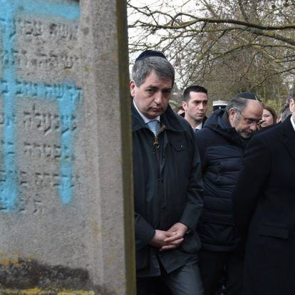 Az antiszemiták ellen tüntettek a franciák
