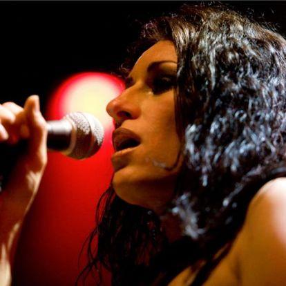 Kutzora Edina az Erik Sumo Band új énekesnője