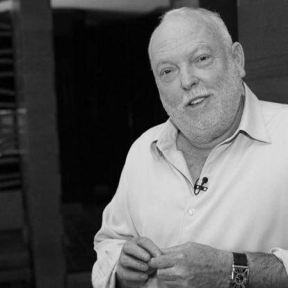 Fordulat: mégis megemlékeztek Andy Vajnáról az Oscar-gála szervezői