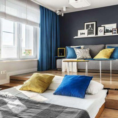 Dobogó alá rejtett ágy, dolgozósarok a beépített erkélyen - 36m2-es kis lakás modern berendezéssel