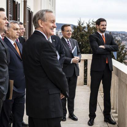 John Kennedy szenátornak is megmutatta budapesti panorámát Orbán Viktor