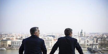 Régi barátok: így köszöntötte Orbán Sarkozyt a Karmelita kolostorban
