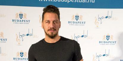 Nem hittünk a szemünknek: Ilyen frizurára váltott Vastag Csaba