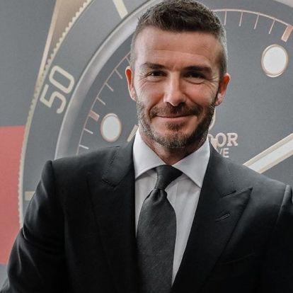 David Beckham a fülére tetováltatott, méghozzá egy szívet