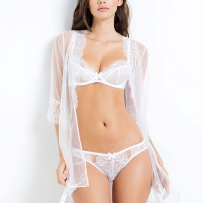 Topmodell fehérneműben: Cindy Mello
