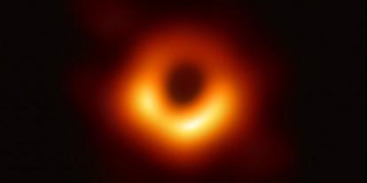 Először sikerült képet alkotni egy fekete lyukról