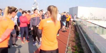 Exkluzív: ilyen volt az első futóedzés a Telekom új székházának tetején