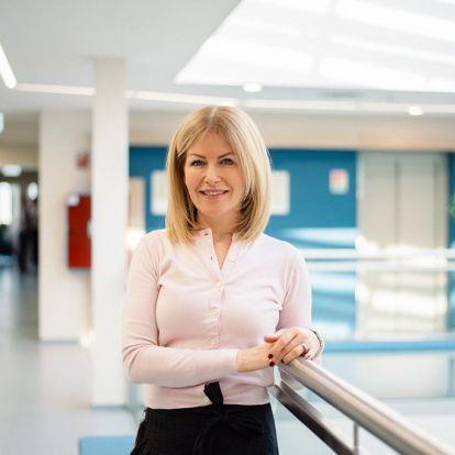 A munkám a szenvedélyem: Valkó Eszter, The British International School Budapest pénzügyi és operatív igazgatója | Marie Claire
