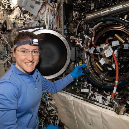 A tervek szerint tizenegy hónapig marad az űrben egy űrhajósnő | National Geographic