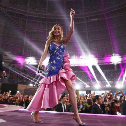 Brie Larson fodros ruhában menti meg a világot | Marie Claire