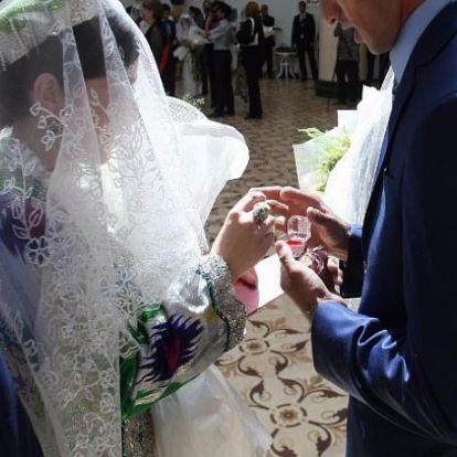 Milyen zene szól a tádzsik esküvőkön?