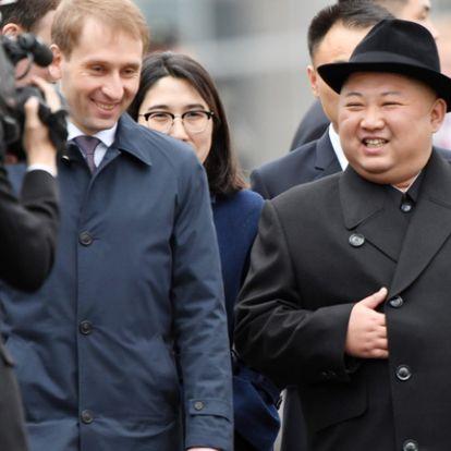 Kim Dzsongun Putyinnal vigasztalódik az amerikai mosolyszünet alatt