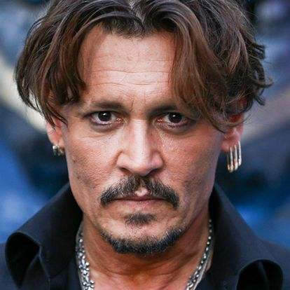 Johnny Depp ezt a 20 éves lányt akarja elvenni