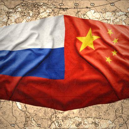 Közösen gyakorlatozik az orosz és a kínai haditengerészet