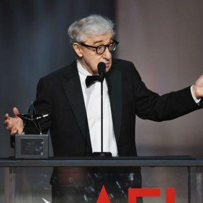 Timothee Chalamet barátnőjét egy sztár szereti el Woody Allen új filmjében