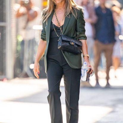 The Queen of Basics, Jennifer Aniston, Just Wore 2 Perfect Summer Outfits