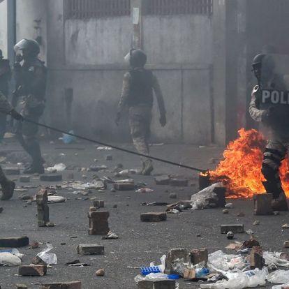 Ketten meghaltak a kormányellenes tüntetésekben Haitin