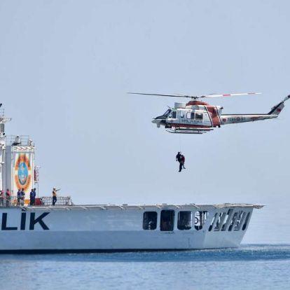 Menekülteket szállító hajó süllyedt el az Égei-tengeren, nyolcan meghaltak