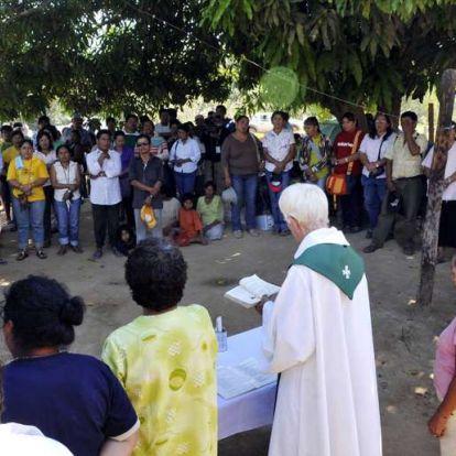 Annyira kevés a pap az Amazonas-vidékén, hogy nős férfiakat is felszentelhetnek