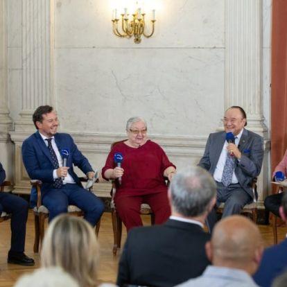 Bagi Iván és Nacsa Olivér kapta a Karinthy-gyűrűt