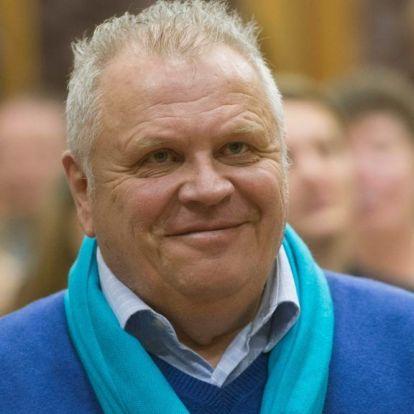 Dévényi Tibor: Mikrofon a húslevesben