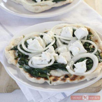 Faszénen sült spenótos-fetás pizza - Pizza receptek - Receptvarázs – receptek képekkel