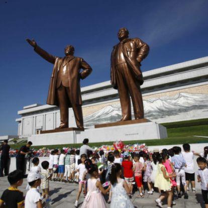 Kim Dzsong Un: a rezsim állandósága fontosabb a gazdaságnál