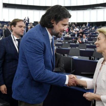 Miért tapsol a Fidesz Ursula von der Leyennek, amikor szinte semmiben sem ért egyet vele?