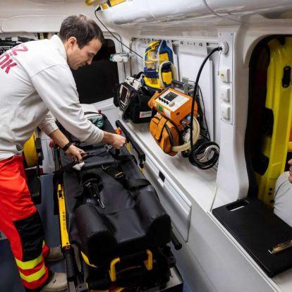 Egyre több helyen pótolják az ügyeletben mentőtiszttel az orvost