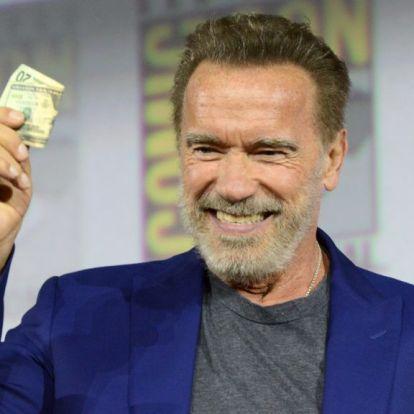 Arnold Schwarzenegger kertje tele van veszélyes állatokkal