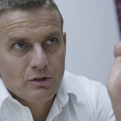 Hírösszefoglaló: Rékasi Károlyék új házában napelem lesz, motorcsónak nem