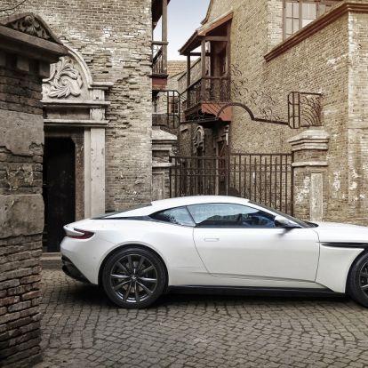 Hamarosan itthon is elérhető lesz James Bond kedven autómárkája